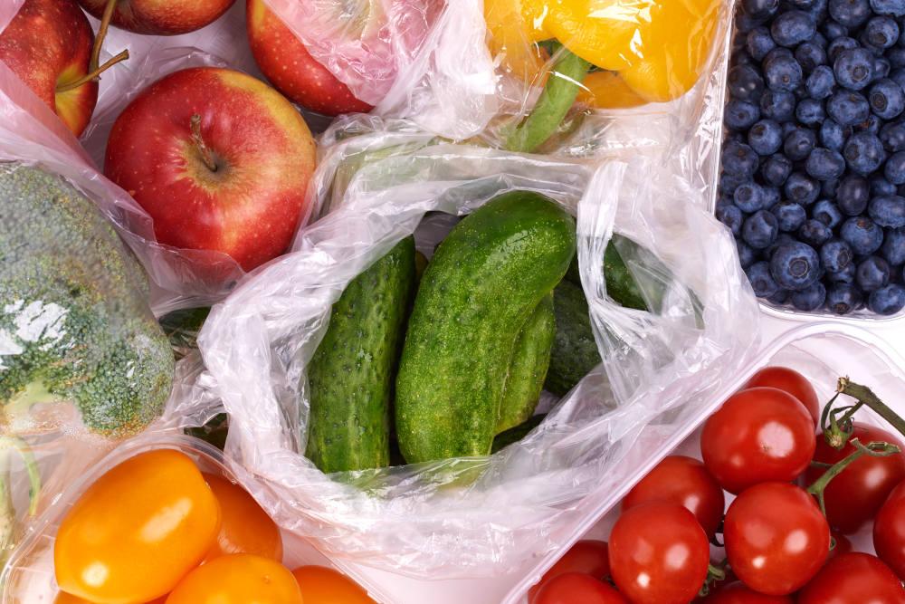fructe si legume in pungi
