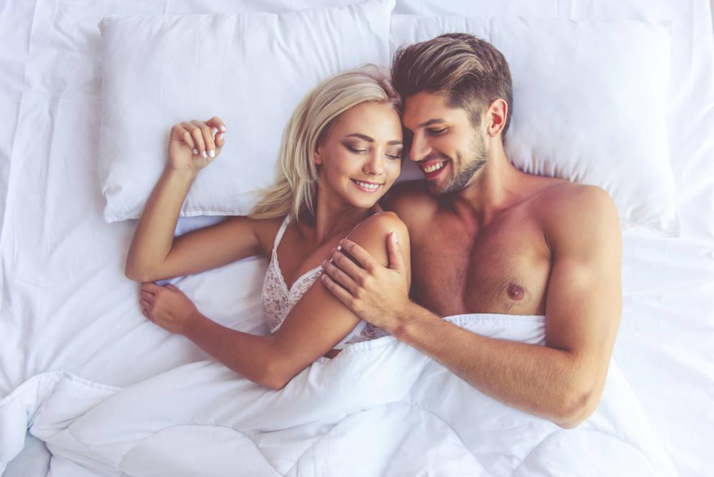 gel Alfagen cuplu in pat